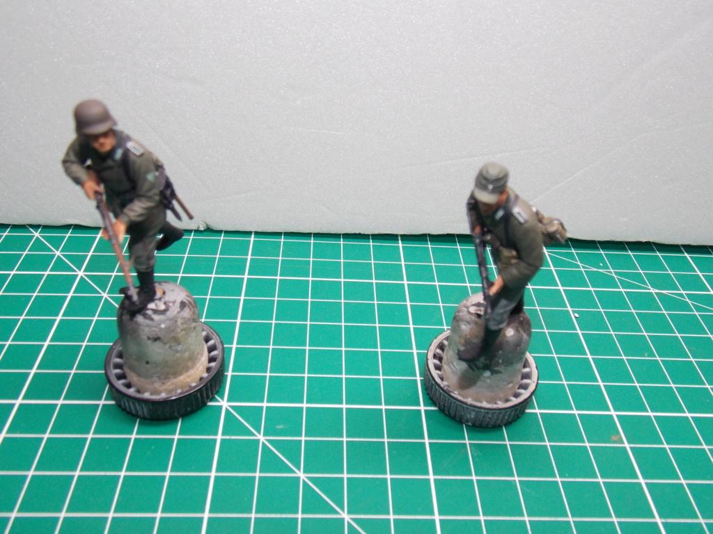 Guet-apens  Jadpanzer IV L48 / figurines DRAGON / décor perso  1/35  FINI  - Page 6 Dscn1472