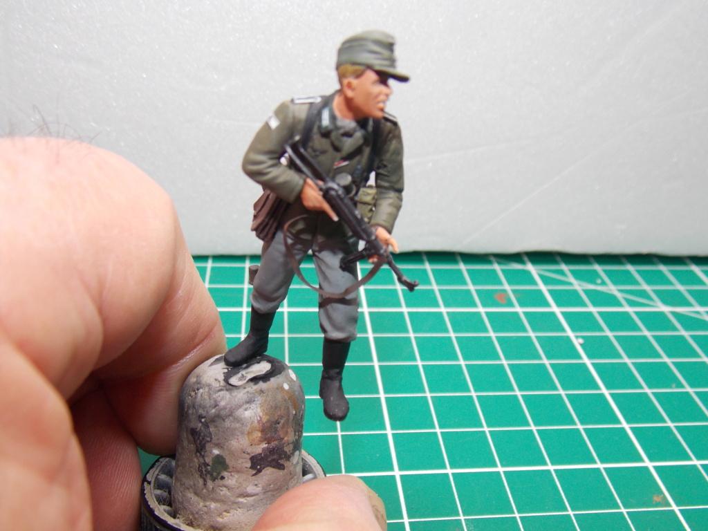 Guet-apens  Jadpanzer IV L48 / figurines DRAGON / décor perso  1/35  FINI  - Page 6 Dscn1475