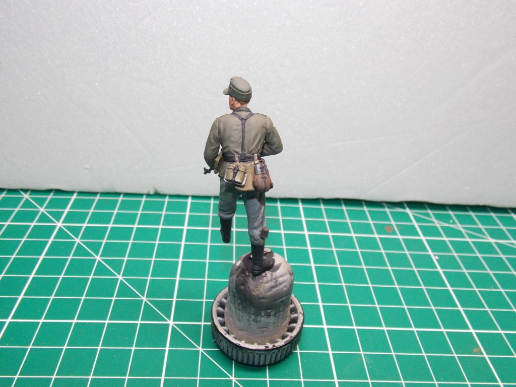 Guet-apens  Jadpanzer IV L48 / figurines DRAGON / décor perso  1/35  FINI  - Page 6 Dscn1477