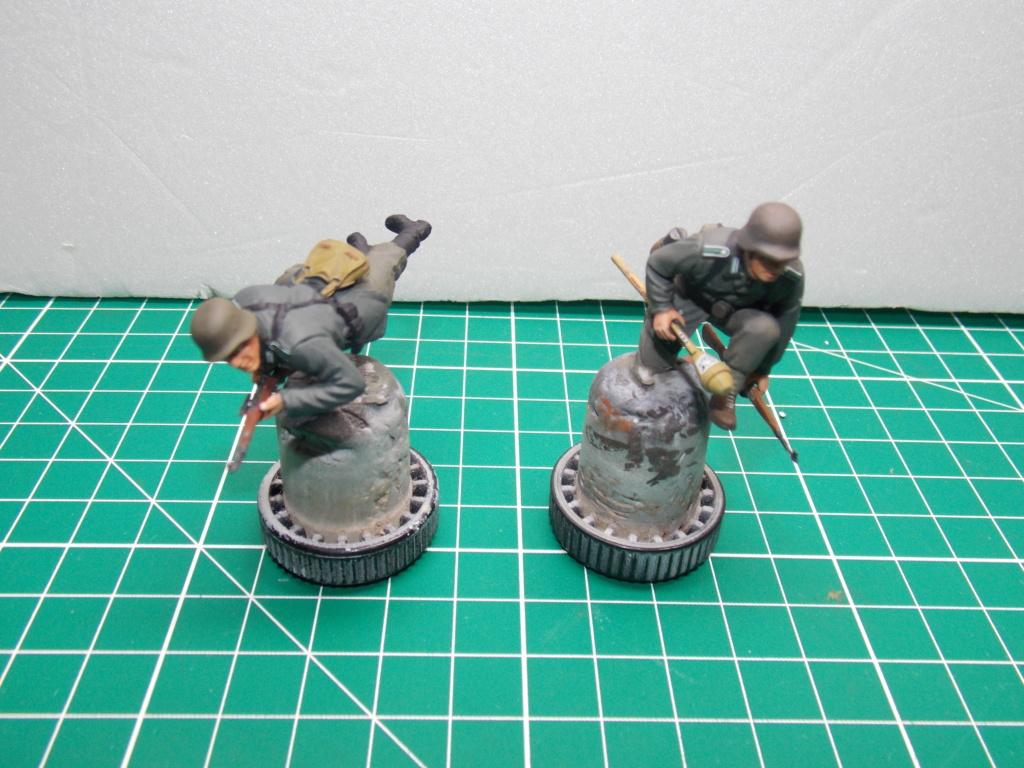 Guet-apens  Jadpanzer IV L48 / figurines DRAGON / décor perso  1/35  FINI  - Page 6 Dscn1478