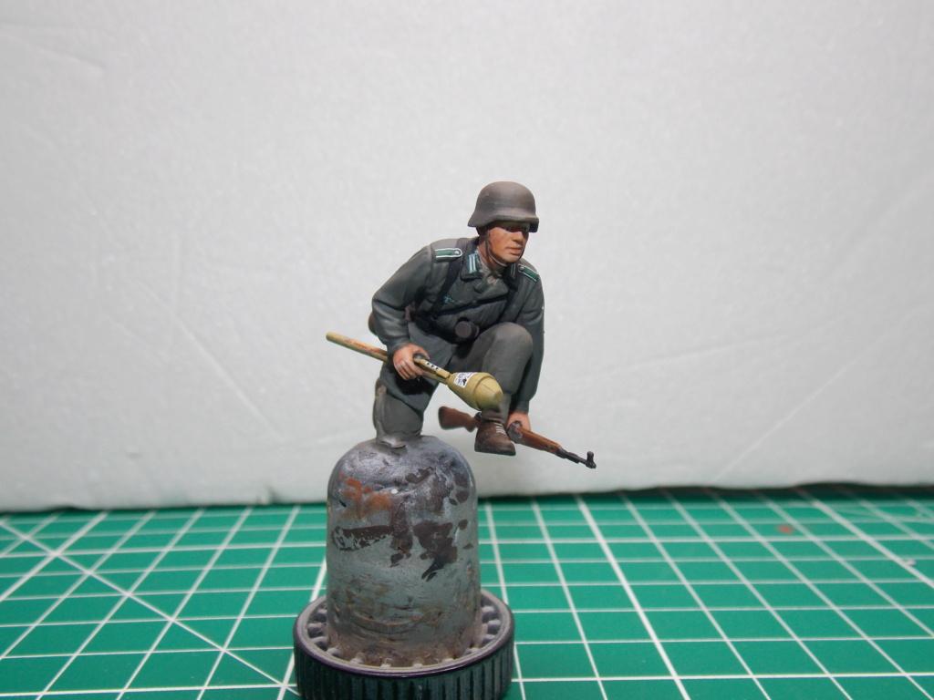 Guet-apens  Jadpanzer IV L48 / figurines DRAGON / décor perso  1/35  FINI  - Page 6 Dscn1480