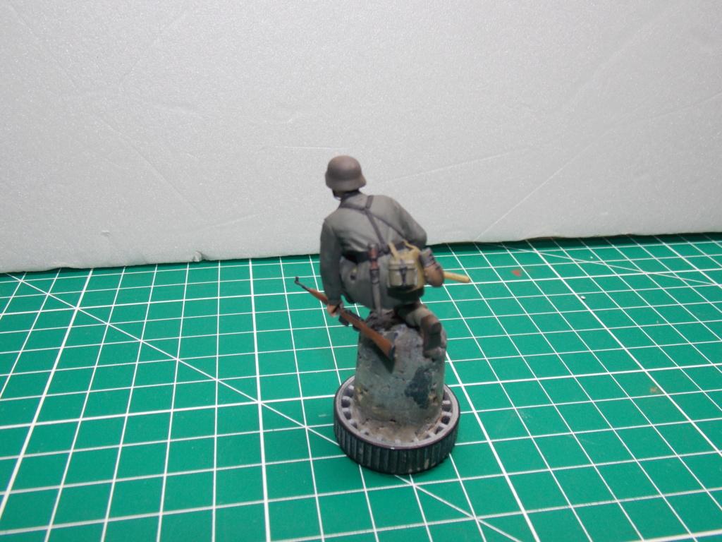 Guet-apens  Jadpanzer IV L48 / figurines DRAGON / décor perso  1/35  FINI  - Page 6 Dscn1481
