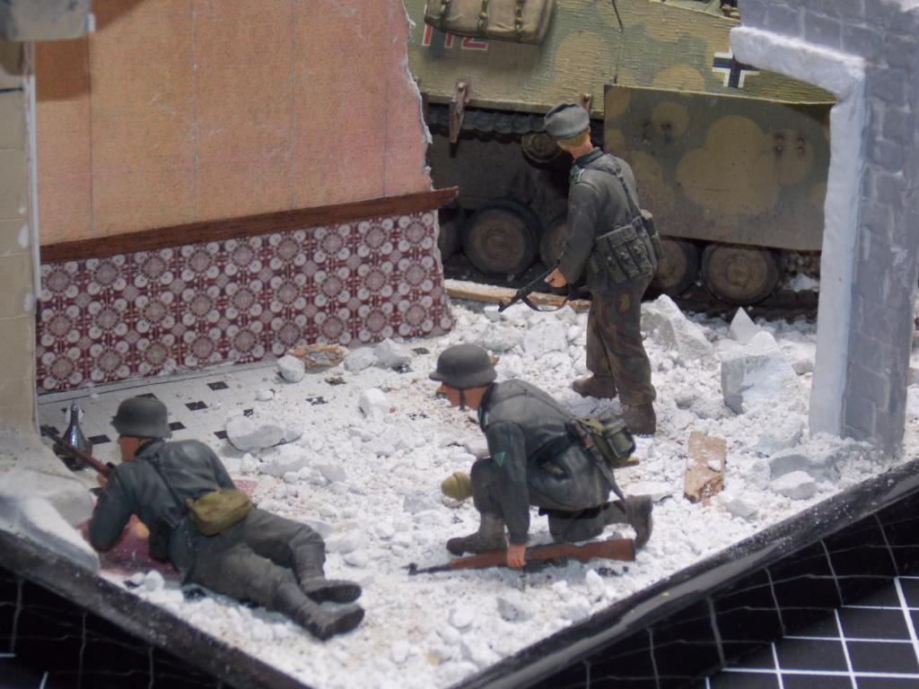 Guet-apens  Jadpanzer IV L48 / figurines DRAGON / décor perso  1/35  FINI  - Page 6 Dscn1562