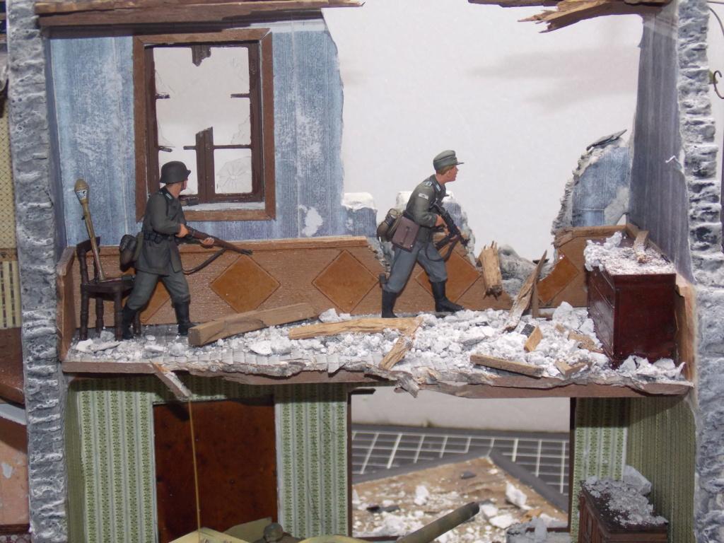 Guet-apens  Jadpanzer IV L48 / figurines DRAGON / décor perso  1/35  FINI  - Page 6 Dscn1564