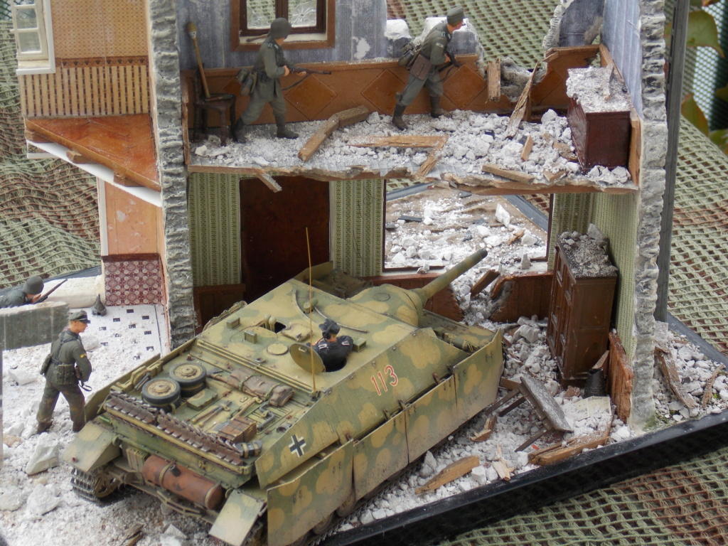 Guet-apens  Jadpanzer IV L48 / figurines DRAGON / décor perso  1/35  FINI  - Page 7 Dscn1641