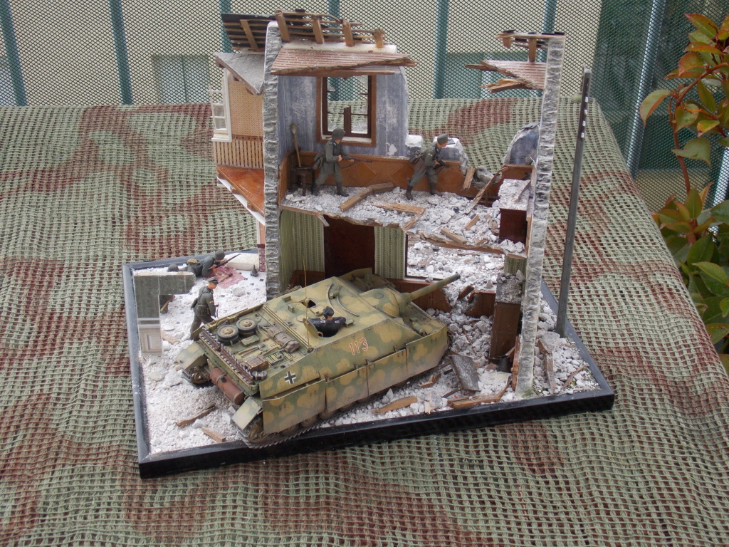 Guet-apens  Jadpanzer IV L48 / figurines DRAGON / décor perso  1/35  FINI  - Page 7 Dscn1642