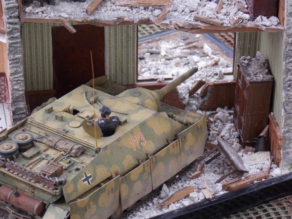 Guet-apens  Jadpanzer IV L48 / figurines DRAGON / décor perso  1/35  FINI  - Page 7 Dscn1644
