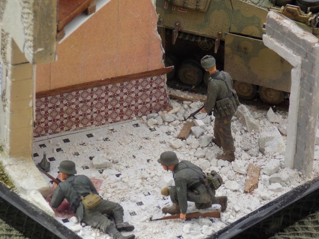 Guet-apens  Jadpanzer IV L48 / figurines DRAGON / décor perso  1/35  FINI  - Page 7 Dscn1645