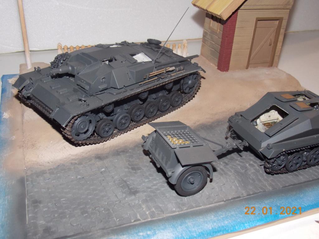 Quelque part sur le front de l'Est Juin 41 - Stug III Ausf.B (Tamiya ) et Sd.Kfz.252 (Dragon ) 1/35 - Page 4 Dscn1826