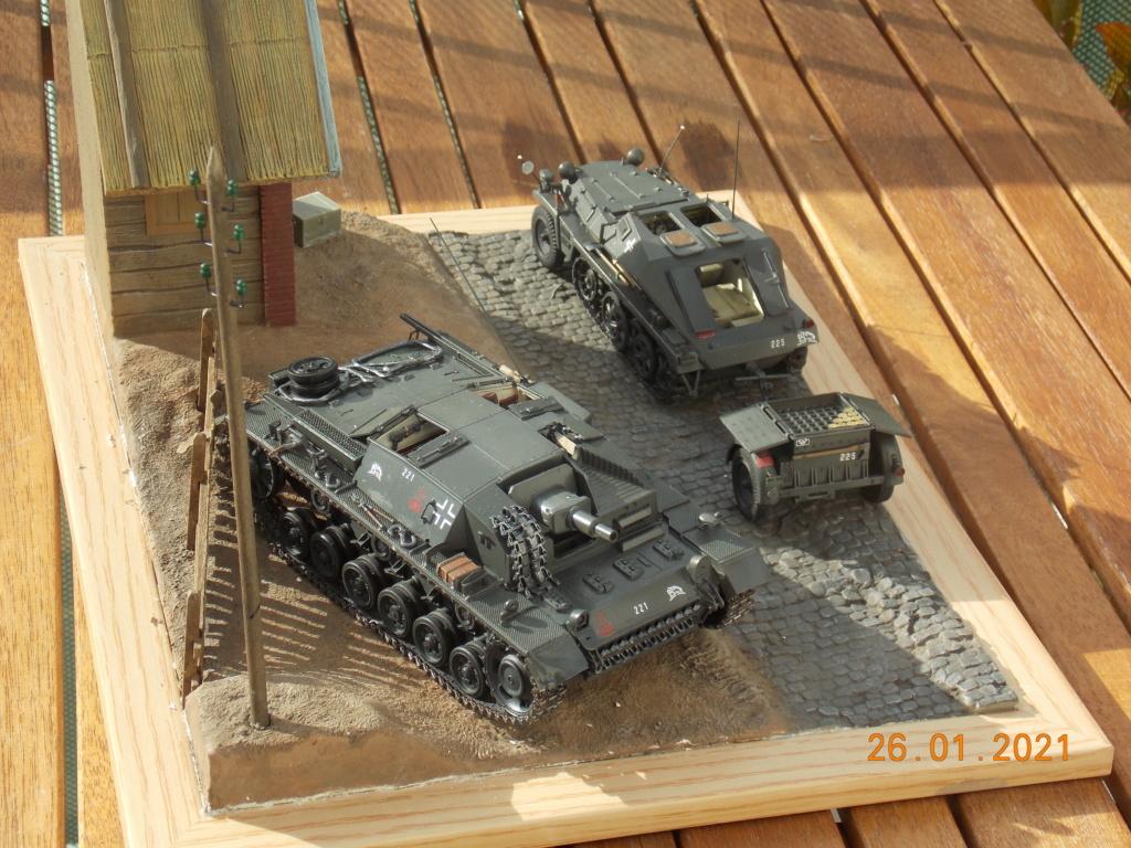 Quelque part sur le front de l'Est Juin 41 - Stug III Ausf.B (Tamiya ) et Sd.Kfz.252 (Dragon ) 1/35 - Page 5 Dscn1867