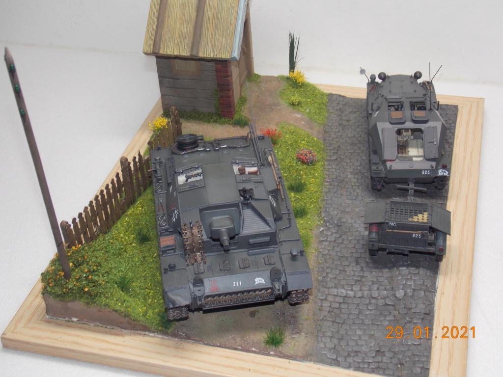 Quelque part sur le front de l'Est Juin 41 - Stug III Ausf.B (Tamiya ) et Sd.Kfz.252 (Dragon ) 1/35 - Page 6 Dscn1915