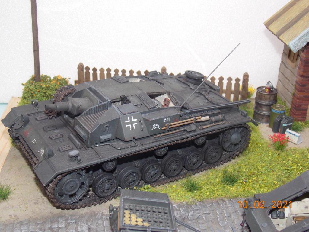 Quelque part sur le front de l'Est Juin 41 - Stug III Ausf.B (Tamiya ) et Sd.Kfz.252 (Dragon ) 1/35 - Page 7 Dscn1926