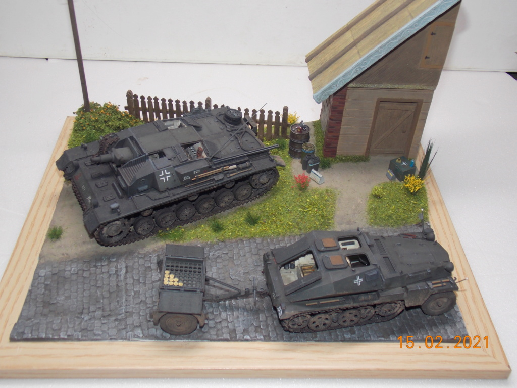 Quelque part sur le front de l'Est Juin 41 - Stug III Ausf.B (Tamiya ) et Sd.Kfz.252 (Dragon ) 1/35 - Page 8 Dscn1992