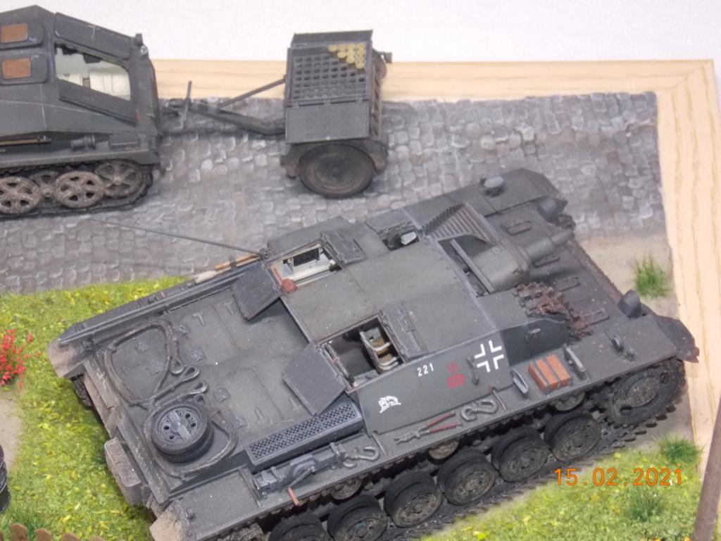 Quelque part sur le front de l'Est Juin 41 - Stug III Ausf.B (Tamiya ) et Sd.Kfz.252 (Dragon ) 1/35 - Page 8 Dscn1993