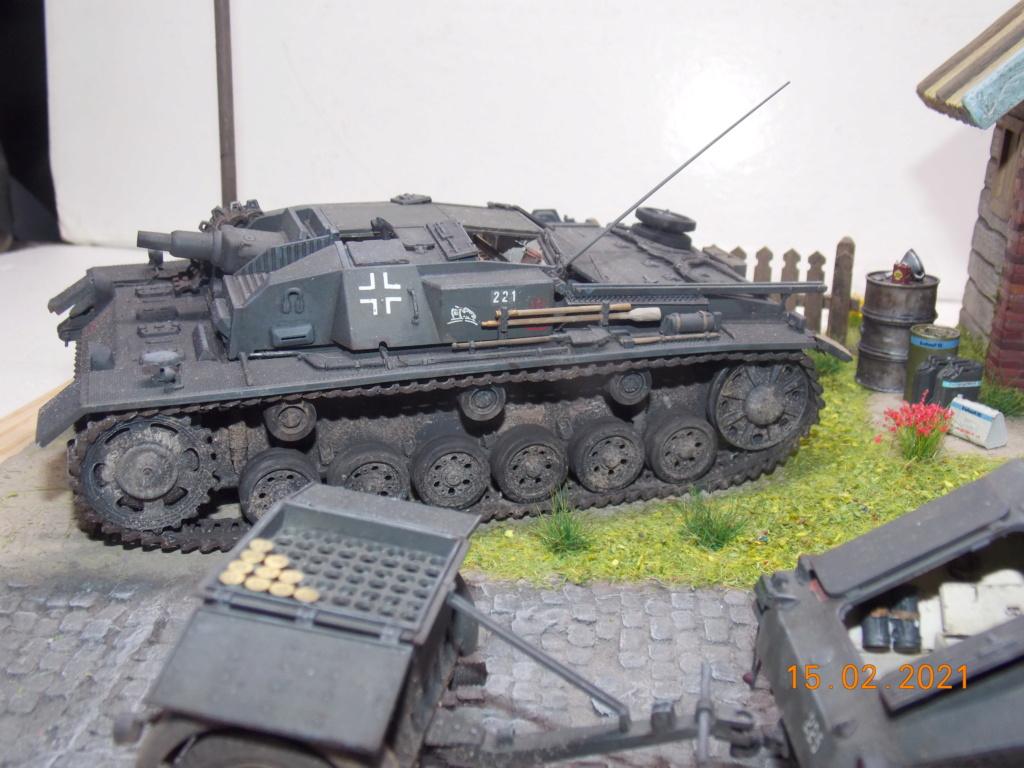 Quelque part sur le front de l'Est Juin 41 - Stug III Ausf.B (Tamiya ) et Sd.Kfz.252 (Dragon ) 1/35 - Page 8 Dscn1994