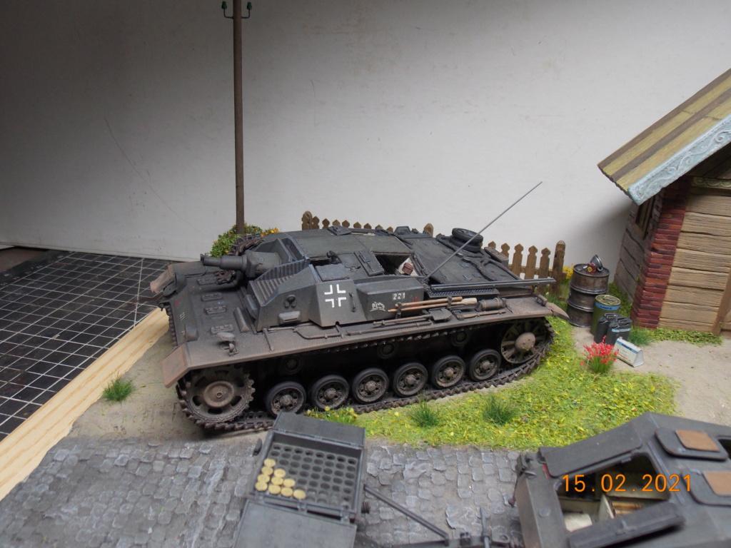 Quelque part sur le front de l'Est Juin 41 - Stug III Ausf.B (Tamiya ) et Sd.Kfz.252 (Dragon ) 1/35 - Page 8 Dscn1998