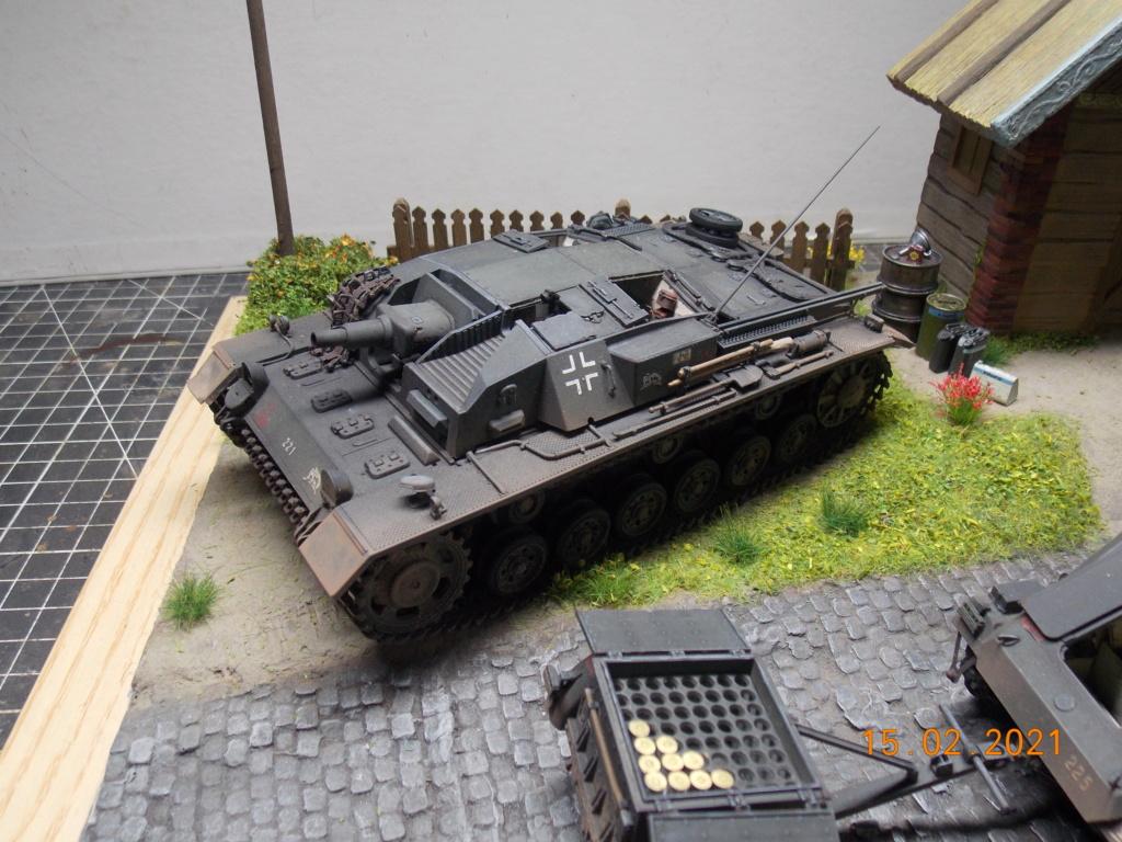 Quelque part sur le front de l'Est Juin 41 - Stug III Ausf.B (Tamiya ) et Sd.Kfz.252 (Dragon ) 1/35 - Page 8 Dscn1999