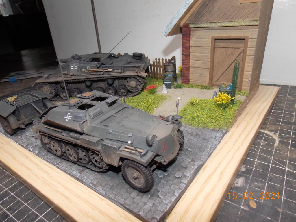 Quelque part sur le front de l'Est Juin 41 - Stug III Ausf.B (Tamiya ) et Sd.Kfz.252 (Dragon ) 1/35 - Page 8 Dscn2004