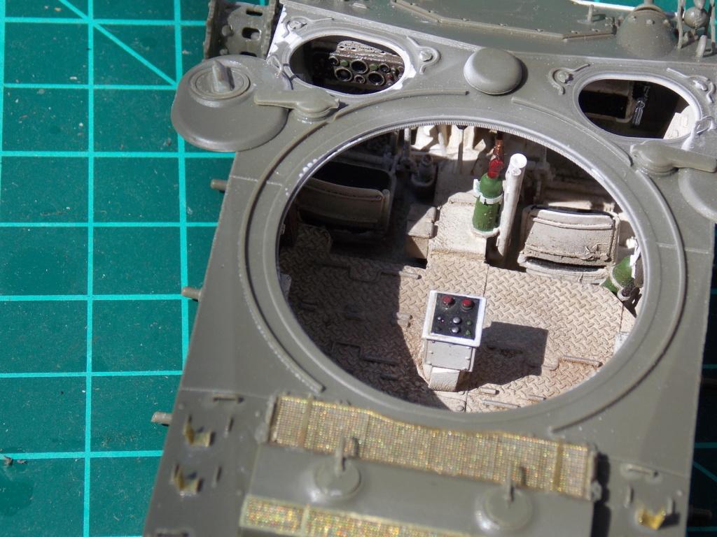 M24 CHAFFEE déco VERLINDEN (AFV / intérieur VERLINDEN) 1/35ème Dscn6673