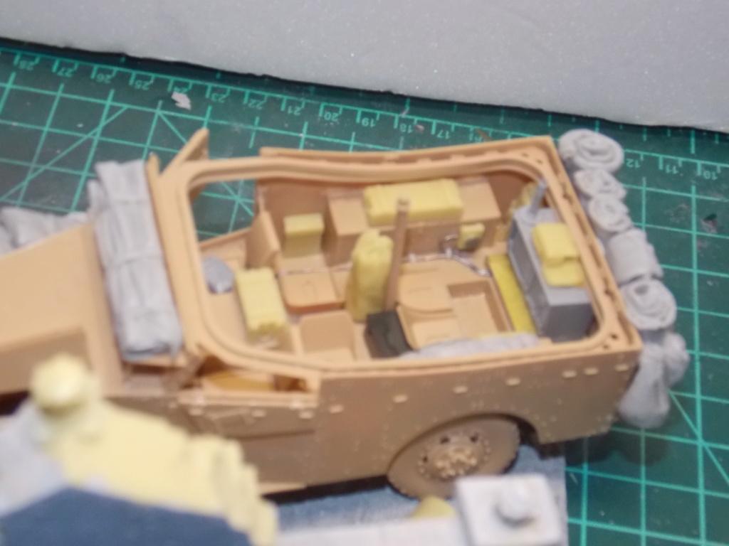 Deuxième DB à l'honneur - White Scout Car - Hobby Boss - 1/35 - Page 2 Dscn7241
