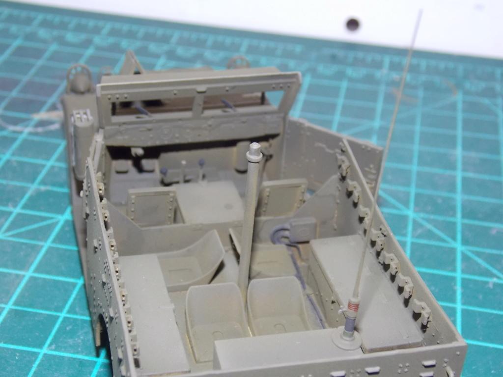 Deuxième DB à l'honneur - White Scout Car - Hobby Boss - 1/35 - Page 3 Dscn7269