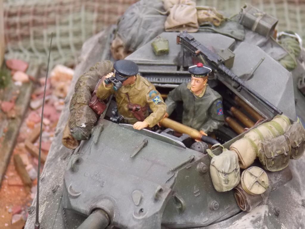 """Tank Destroyer M10 """"Le SIMOUN"""", 2ème DB - Tamiya 1/35 - Page 6 Dscn7466"""