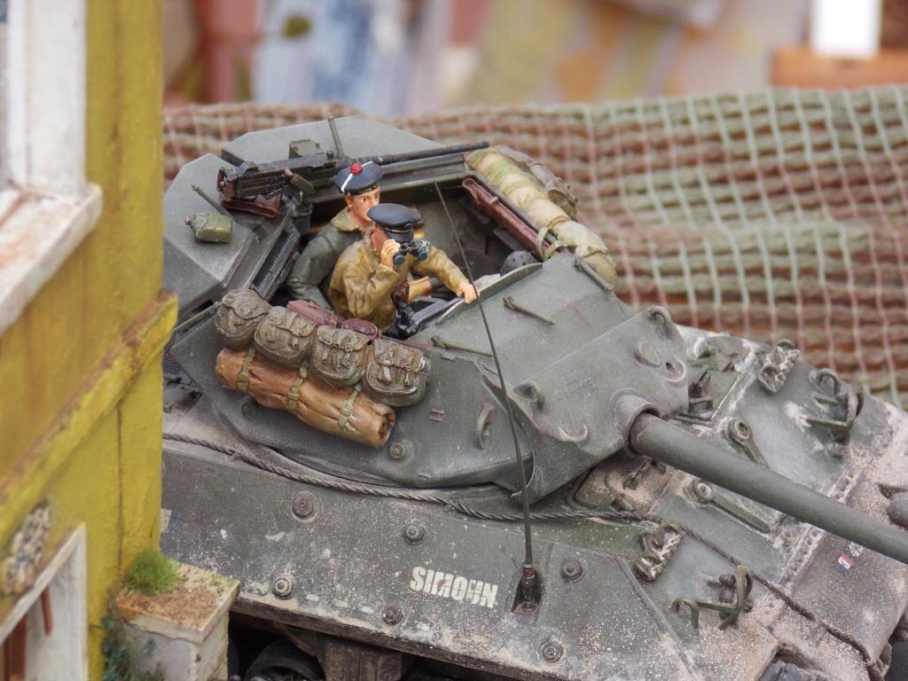 """Tank Destroyer M10 """"Le SIMOUN"""", 2ème DB - Tamiya 1/35 - Page 6 Dscn7471"""