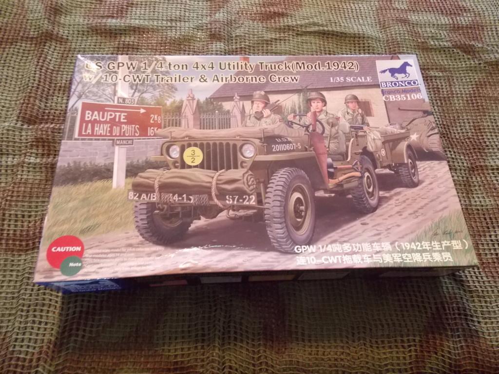 Jeep Nicole RMSM  (Bronco) décor Miniart  - 1/35  MONTAGE TERMINE Dscn7557