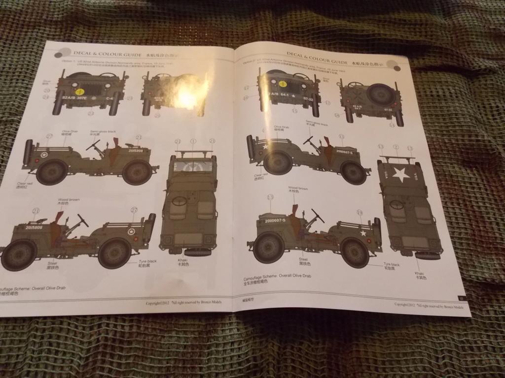Jeep Nicole RMSM  (Bronco) décor Miniart  - 1/35  MONTAGE TERMINE Dscn7559