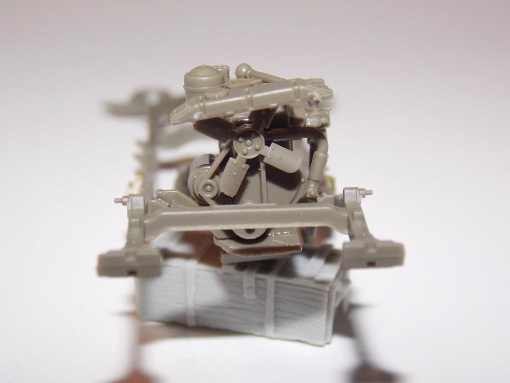 Jeep Nicole RMSM  (Bronco) décor Miniart  - 1/35 - Page 2 Dscn7576