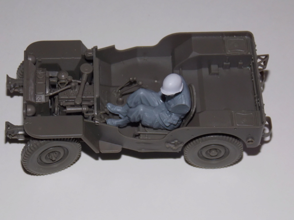 Jeep Nicole RMSM  (Bronco) décor Miniart  - 1/35 - Page 2 Dscn7578