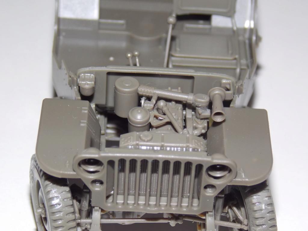 Jeep Nicole RMSM  (Bronco) décor Miniart  - 1/35 - Page 2 Dscn7583