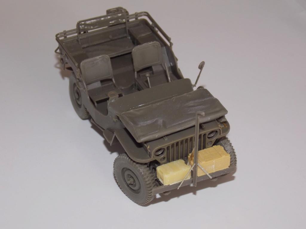 Jeep Nicole RMSM  (Bronco) décor Miniart  - 1/35 - Page 3 Dscn7599