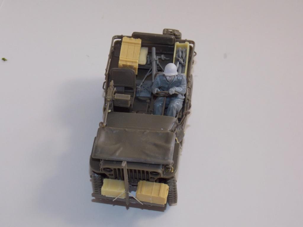 Jeep Nicole RMSM  (Bronco) décor Miniart  - 1/35 - Page 3 Dscn7606