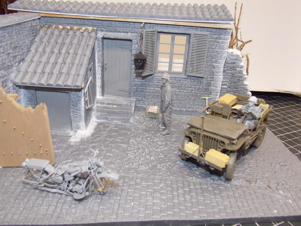 Jeep Nicole RMSM  (Bronco) décor Miniart  - 1/35  MONTAGE TERMINE - Page 3 Dscn7608