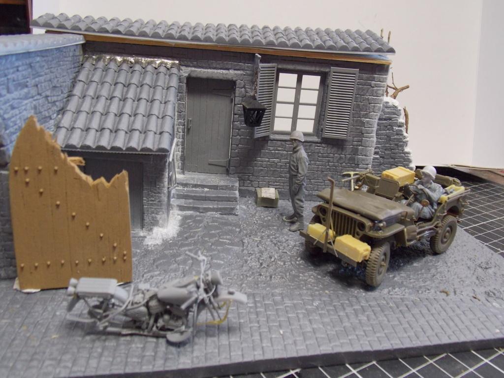 Jeep Nicole RMSM  (Bronco) décor Miniart  - 1/35 - Page 3 Dscn7609