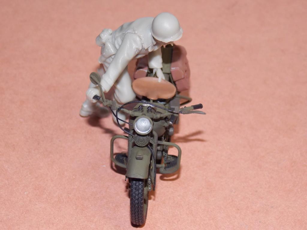 Jeep Nicole RMSM  (Bronco) décor Miniart  - 1/35 - Page 3 Dscn7620