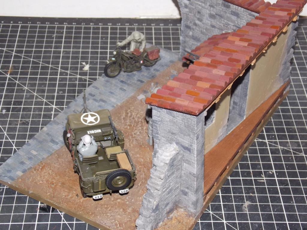 Jeep Nicole RMSM  (Bronco) décor Miniart  - 1/35  MONTAGE TERMINE - Page 4 Dscn7628