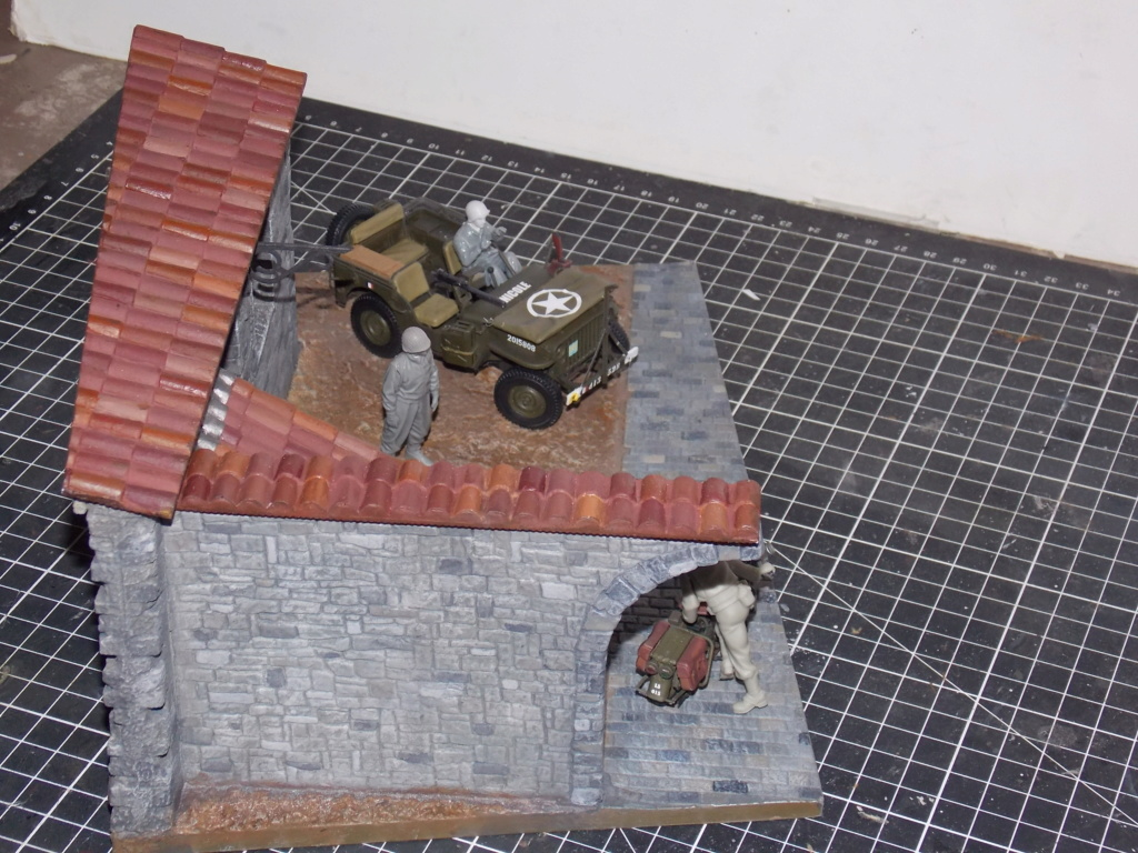 Jeep Nicole RMSM  (Bronco) décor Miniart  - 1/35  MONTAGE TERMINE - Page 4 Dscn7632
