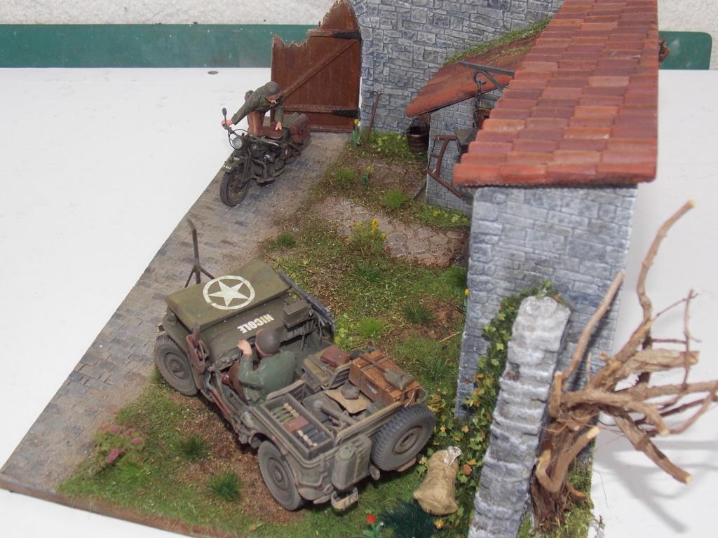 Jeep BRONCO et decor MINIART 1/35  TERMINE Dscn7856