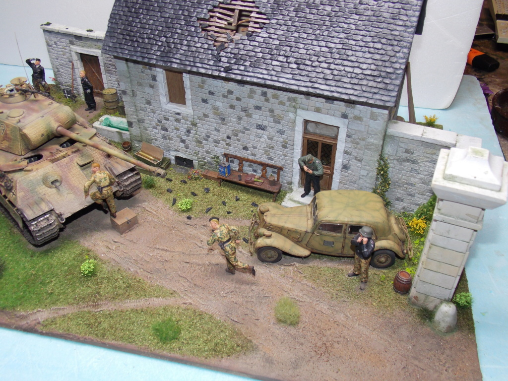 Baby Division Caen 1944 (Panther Takom/ Traction Tamiya- décor Mk35 au 1/35) - Page 20 Dscn8424