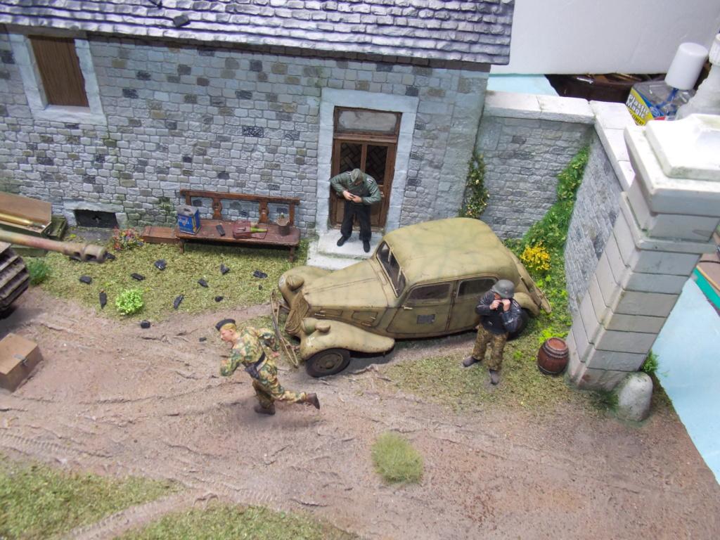 Baby Division Caen 1944 (Panther Takom/ Traction Tamiya- décor Mk35 au 1/35) - Page 20 Dscn8426
