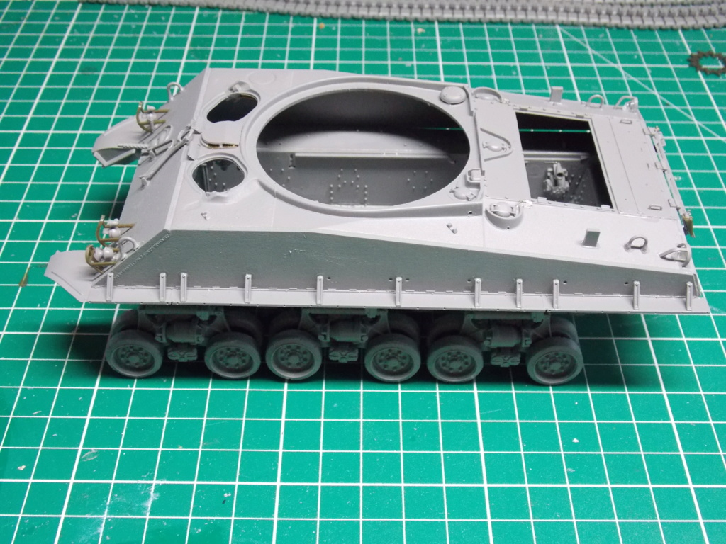Sherman M4A3 76W HVSS with full interior RFM 1/35 - Page 2 Dscn8464