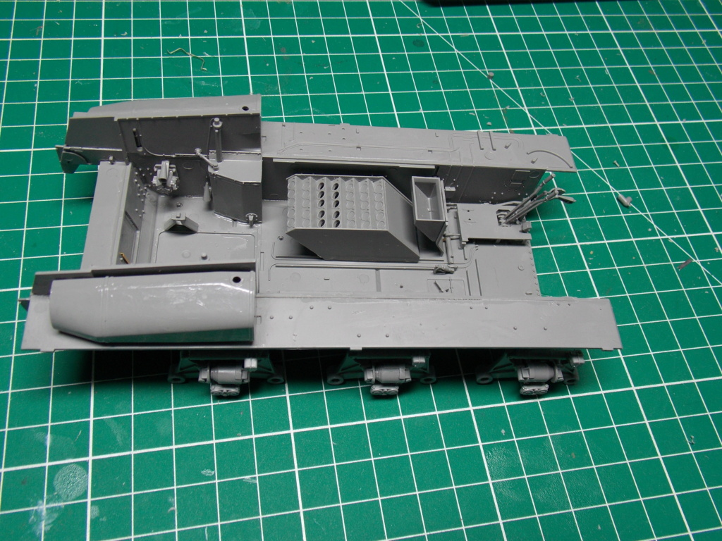 Sherman M4A3 76W HVSS with full interior RFM 1/35 - Page 2 Dscn8474