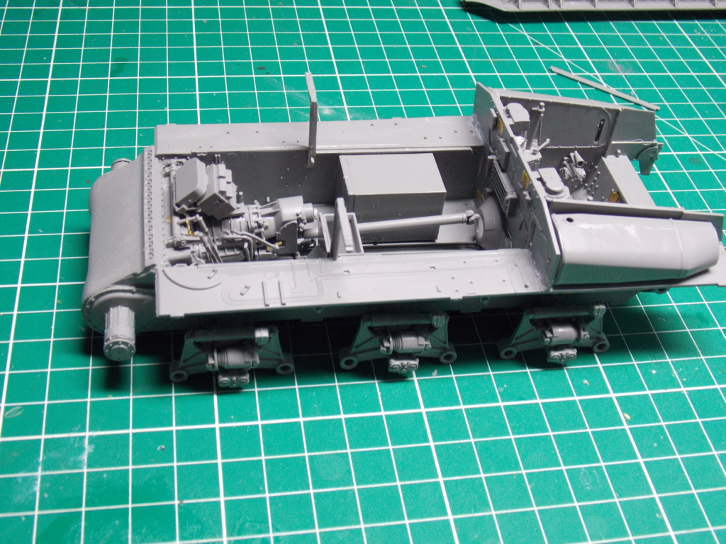 Sherman M4A3 76W HVSS with full interior RFM 1/35 - Page 3 Dscn8481