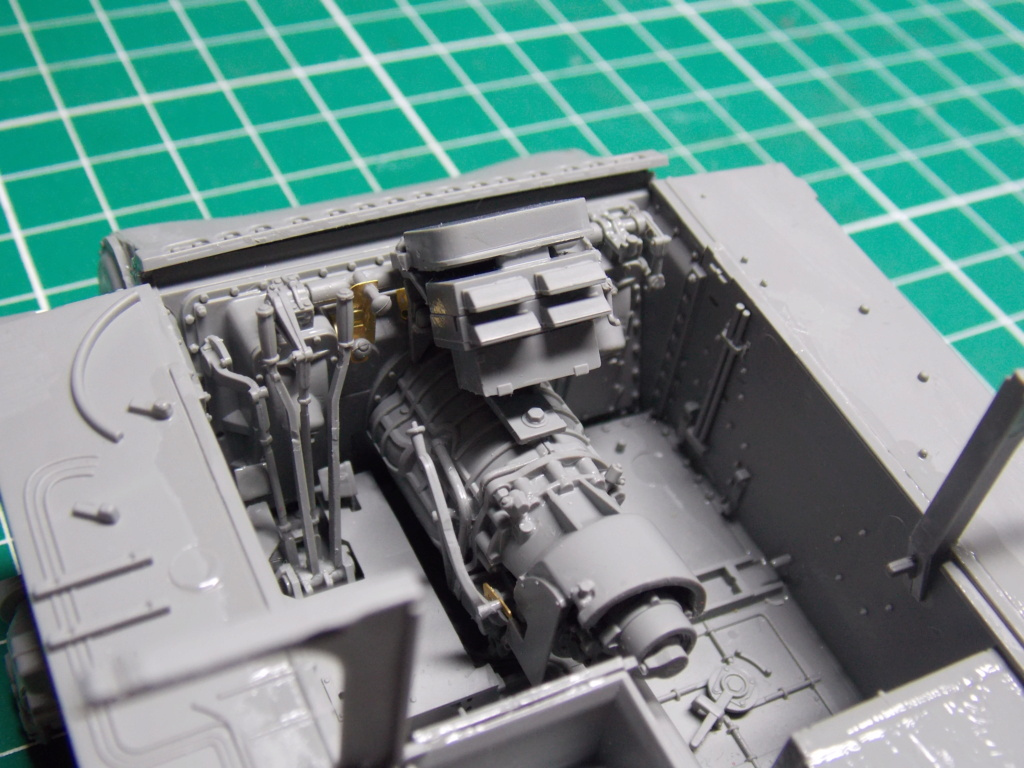 Sherman M4A3 76W HVSS with full interior RFM 1/35 - Page 3 Dscn8482