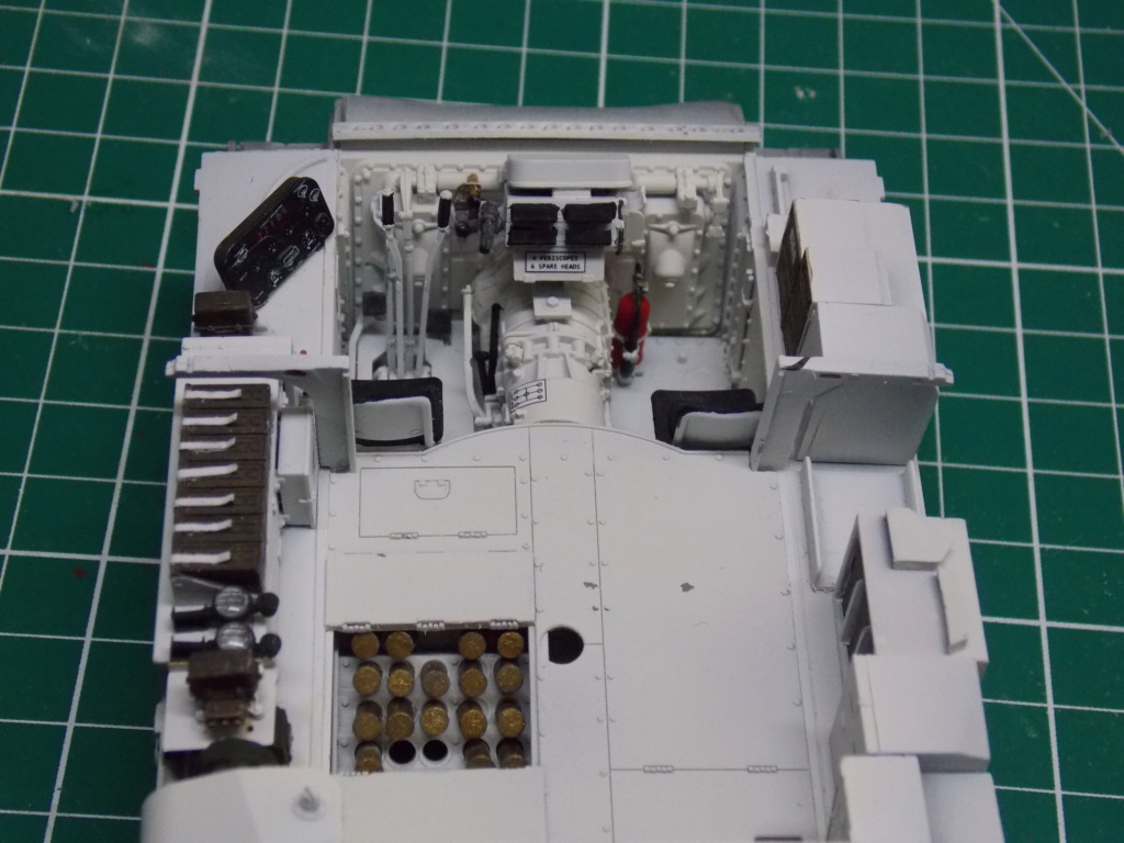 Sherman M4A3 76W HVSS with full interior RFM 1/35 - Page 3 Dscn8505