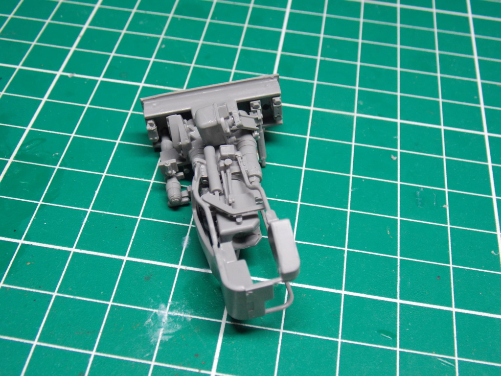 Sherman M4A3 76W HVSS with full interior RFM 1/35 - Page 5 Dscn8532