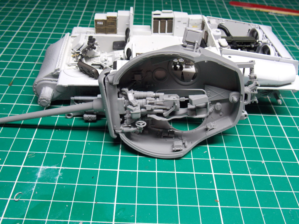 Sherman M4A3 76W HVSS with full interior RFM 1/35 - Page 5 Dscn8541
