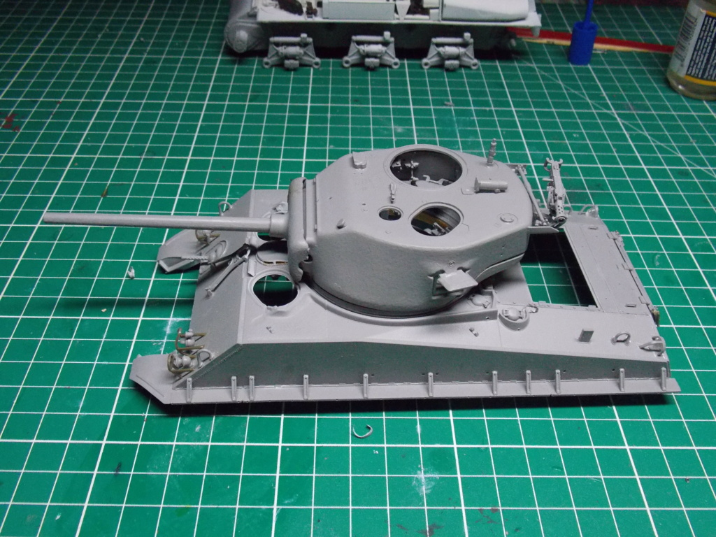 Sherman M4A3 76W HVSS with full interior RFM 1/35 - Page 5 Dscn8542